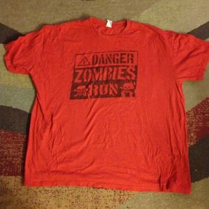 Hot Topic ⚠️DANGER! ZOMBIES! RUN! Used. Size XXL